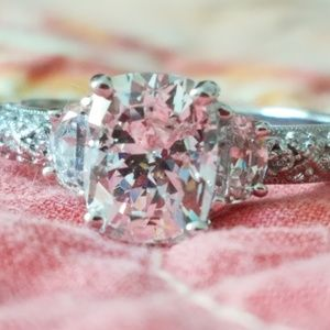 Jewelry - NEW Beautiful sterling silver CZ ring